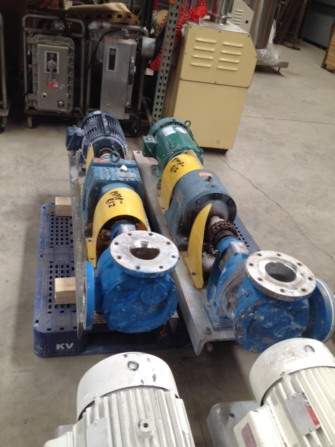 ***SOLD***used VIKING model LQ4724 stainless steel gear pumps. 4